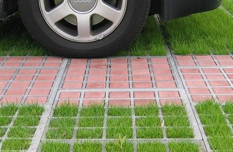 Газонные решетки для парковки: бетонные и пластиковые